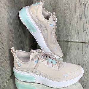 Nike Air Max Dia Shoes Ore Tan/Teal NWT